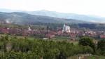 Поглед на Бојник испред фабрике воде